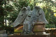 UD-Sitzender-Engel